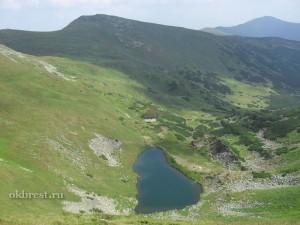 Карпаты. Горное озеро