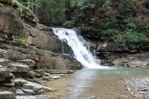 Каскад над Манявским водопадом
