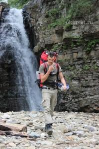 Возле Бухтивецкого водопада