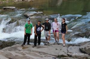 Возле водопада Пробий