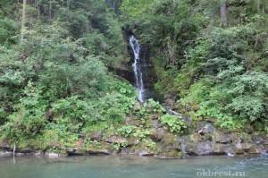 Водопад на реке Быстрец