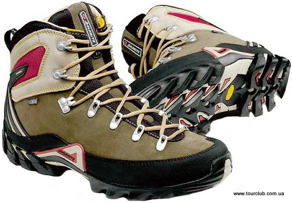 Зов гор | Обувь для похода